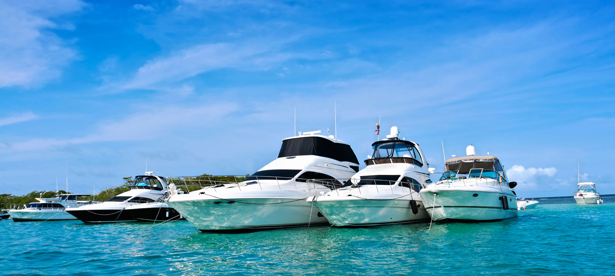 Seagate-Suites-boats-in-water